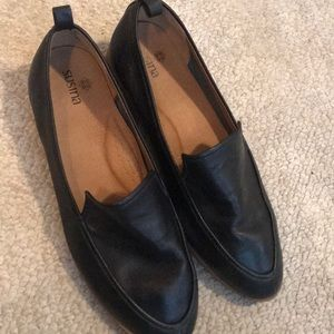 Susina black leather loafers size 6M